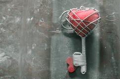 Красный ключ сердца стоковое изображение rf