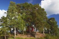 Красный дом в Швеции стоковое изображение rf