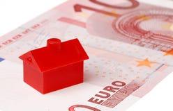 Красный дом на банкноте евро 10 Стоковые Изображения RF