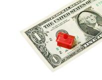 Красный дом на банкноте Стоковые Фото