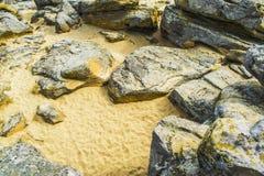 Красный песчаник в парке Papago в Tempe Аризоне со своими многочисленными пещерами Стоковые Фотографии RF