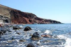 Красный пляж, красный пляж Santorini Стоковая Фотография
