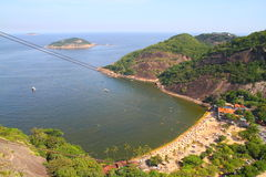 Красный пляж осмотренный от lof сахара - Рио-де-Жанейро Стоковые Фотографии RF