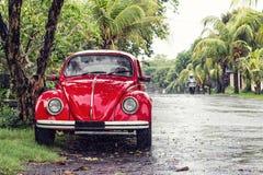 Красный ретро автомобиль стоковые фото