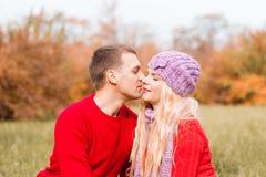 Красный свитер, конец вверх стоковое фото