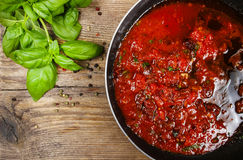 Красный соус сделанный из высушенных томатов Стоковая Фотография