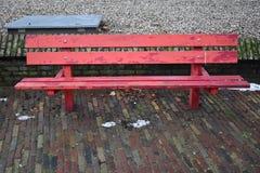 Красный стенд стоковые фотографии rf