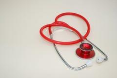 красный стетоскоп Стоковые Фото