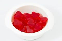 Красный студень в форме сердец изолированных на белой предпосылке Стоковая Фотография