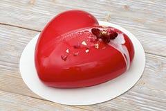 Красный торт мусса сердца Стоковое Изображение RF