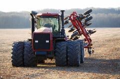 красный трактор Стоковая Фотография