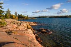 Красный утес на заливе грузина Онтарио Канаде Стоковая Фотография RF