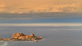 Красный утес на Ile Rousse в Корсике Стоковая Фотография RF