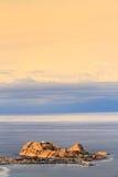 Красный утес на Ile Rousse в Корсике Стоковые Фотографии RF