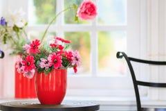 Красный цветок вазы Стоковые Фотографии RF