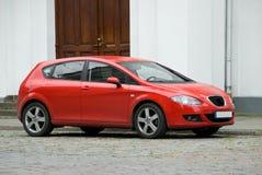 красный цвет автомобиля компактный стоковое фото