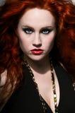 красный цвет волос красотки стоковое фото rf