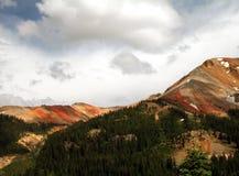 красный цвет горы Стоковые Изображения