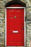 красный цвет двери английский Стоковые Изображения
