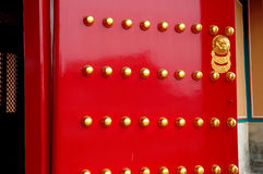 красный цвет двери Стоковые Изображения RF