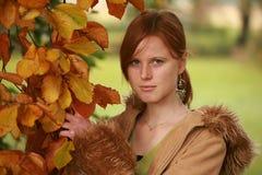 красный цвет девушки с волосами Стоковое Изображение