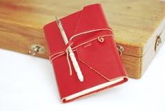 красный цвет дневника книги стоковые изображения
