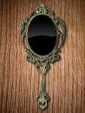красный цвет дуба зеркала руки Стоковая Фотография RF