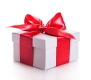 Красный цвет ленты подарочной коробки Стоковое Фото