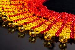 Красный цвет желтого цвета ювелирных изделий ожерелья Стоковое Изображение