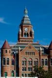 красный цвет здания суда старый стоковое фото rf