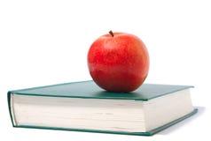 красный цвет зеленого цвета книги яблока Стоковые Изображения