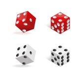 Красный цвет и белизна dices изолированный на белой предпосылке также вектор иллюстрации притяжки corel Стоковое Изображение