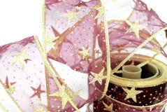 Красный цвет и лента рождества золота Стоковая Фотография