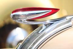 Красный цвет и орнамент клобука хрома Стоковое Фото