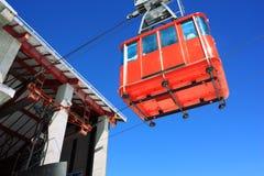 красный цвет кабел-крана Стоковые Фото
