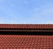 Красный цвет кирпича крыши Стоковая Фотография RF