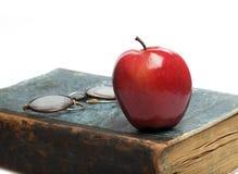 красный цвет книги яблока старый Стоковые Фото