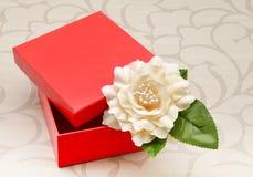 красный цвет коробки открытый Стоковая Фотография