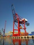 красный цвет крана контейнера большой Стоковое Фото