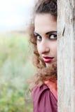 красный цвет красивейшей девушки платья цыганский Стоковое Фото