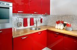 красный цвет кухни Стоковые Фото