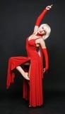 красный цвет мантии вечера танцора стоковая фотография