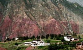 красный цвет оазиса горы стоковое фото rf
