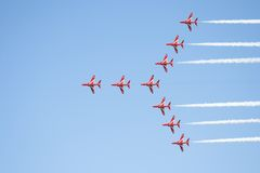красный цвет образования полета стрелок Стоковое фото RF