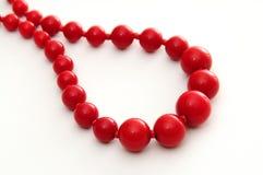 красный цвет ожерелья шарика Стоковое Изображение