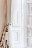 красный цвет дома входа двери стула нутряной самомоднейший Стоковое Изображение RF