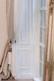 красный цвет дома входа двери стула нутряной самомоднейший Стоковые Фото