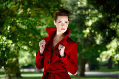 красный цвет пальто Стоковые Фотографии RF