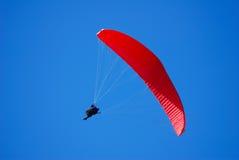красный цвет парашюта банка Стоковые Изображения RF