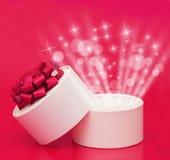 красный цвет подарка коробки предпосылки Стоковое Изображение